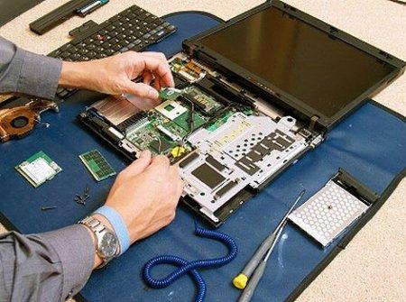 Возникает черный экран при включении ноутбука – что делать?