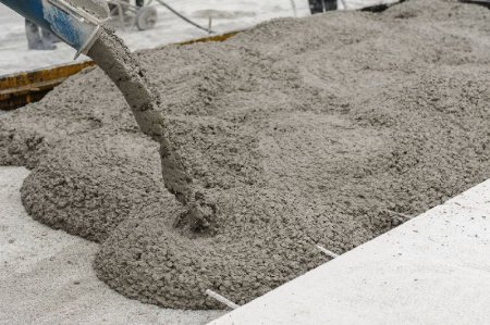 Как купить бетон в Алматы: подготовка и общение с продавцом