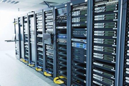Выделенный сервер или хостинг?